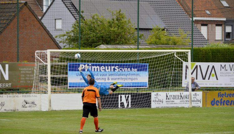 Enkele foto's van de wedstrijd KVK Avelgem – Club Roeselare  0 – 1.