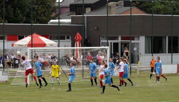 Club Roeselare – KFC Meulebeke 2 – 1 (5 – 5 strafschoppen)