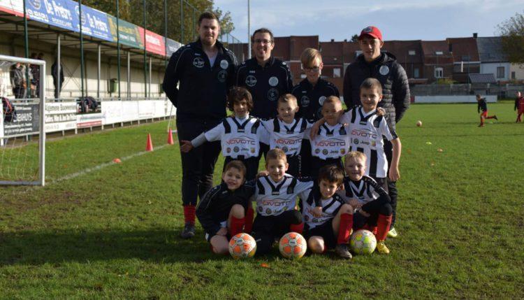 Lianthis gaf het voorbije weekend twee wedstrijdballen aan de jeugd van Club Roeselare.